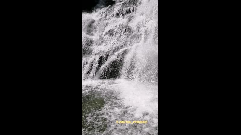 Водопад Тон Прай в сезон дождей, национальный парк Тай Муанг, Пханг-Нга