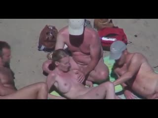 Beautiful bitch groped by his husband and strangers at beach куколд жена отадалась мужикам на пляже сиськи