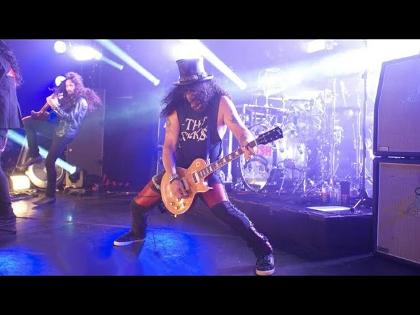 Slash ft. Myles Kennedy The Conspirators - Slither (Live At The Roxy)