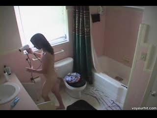 Очень юные девочки малолетки голые в душе с писями и сисями.teen voyeur girls bathroom