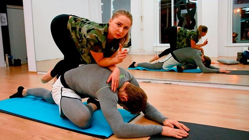 Комплекс упражнений для растяжки всего тела! Балерина ломает бойца MMA