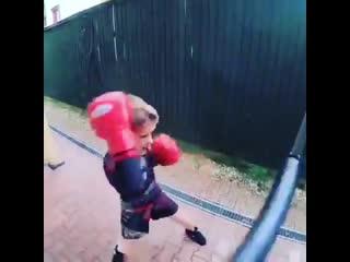 Боксёрская тренировка скорости и координации
