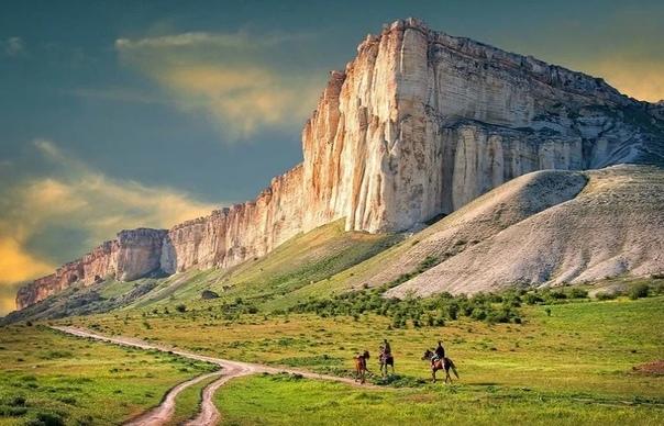 Где живет Змей-Горыныч Крымские легенды. Белая скала.