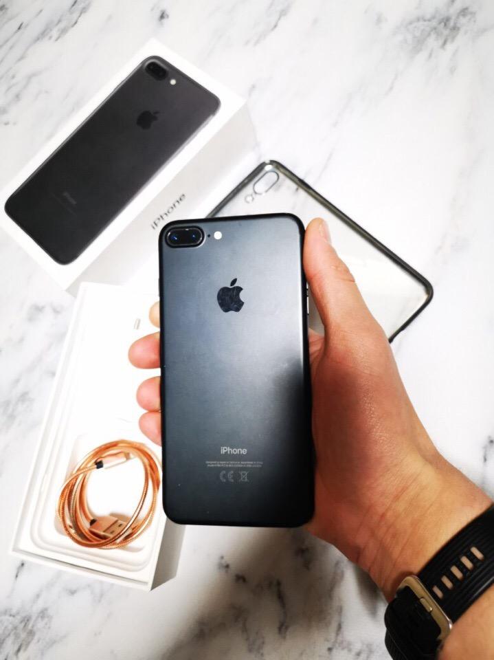 Продам iPhone 7 plus на 32гб в хорошем состоянии, детали все родные, почти новый, не в скрывался.
