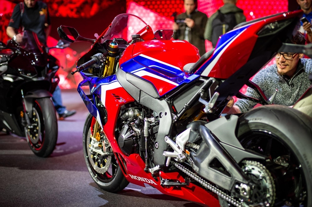 Фотографии Honda CBR1000RR-R Fireblade SP 2020