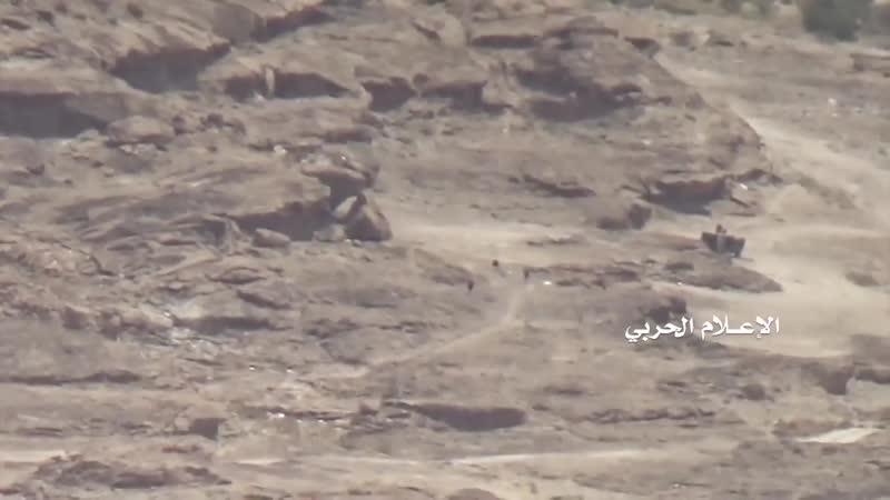 Хуситы уничтожили из ПТРК два бронеавтомобиля хадистов в районе Баким Саада