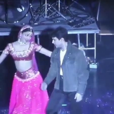 Panchat Bollywood on Instagram When was this 🤔 Aishwarya and Aamir Khan dancing on Tuje Dekha toh jana sanam 😍 Follow @panchatbollywood 💞