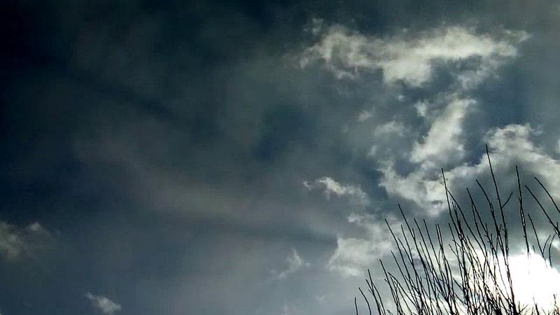 2020 02 04 Les épandages chimiques augmentent la température Ce matin aucun Chemtrail aucun avion