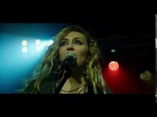 Black Mirror | Ashley O concert scene