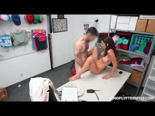 Silvia Saige [секс, минет, порно, инцест]