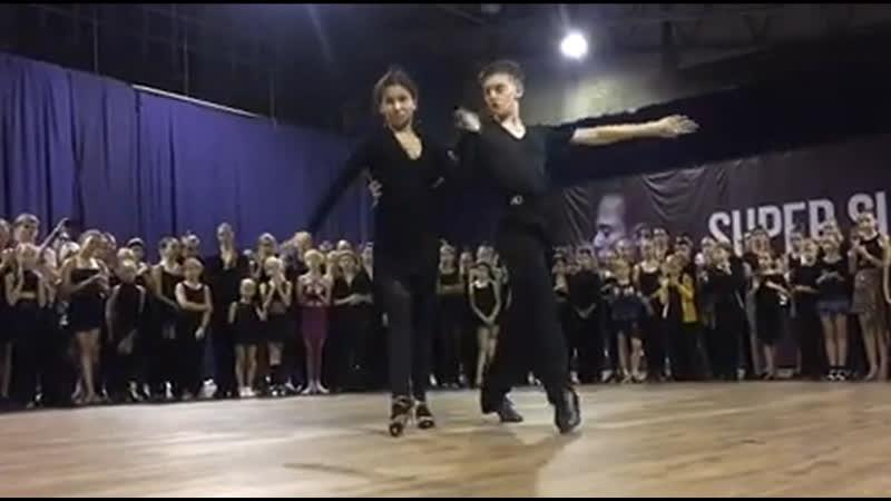 Пара Роберт Полинкевич и Лейла Бевзюк на Super Summer Dance Camp 2019