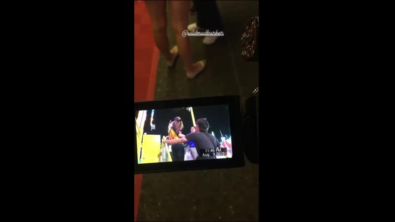 9 августа 2019 Коста Меса США: Лана с братом Чарли Грантом сестрой Чак Грант и друзьями на ярмарке голос Ланы на фоне