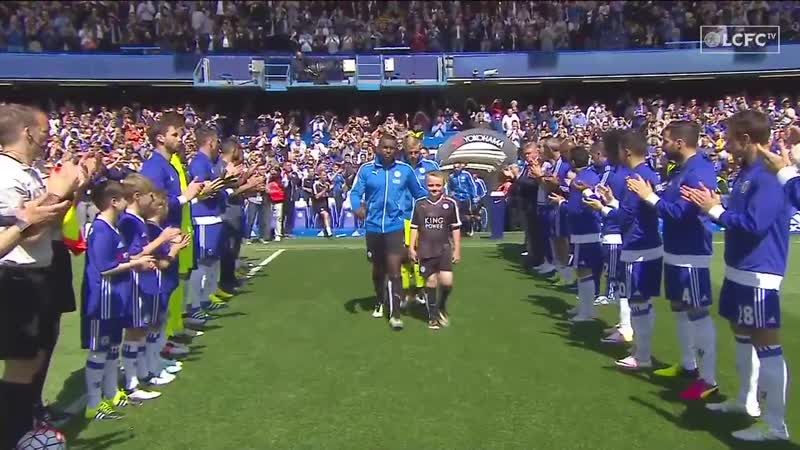A Guard of Honour was formed by Chelsea at Stamford Bridge for the new champions of England 🏆 OnThisDay in 2016 🗓