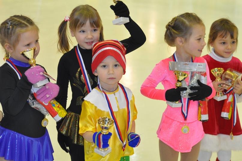 Уроки катания на коньках для подростков в Санкт Петербурге