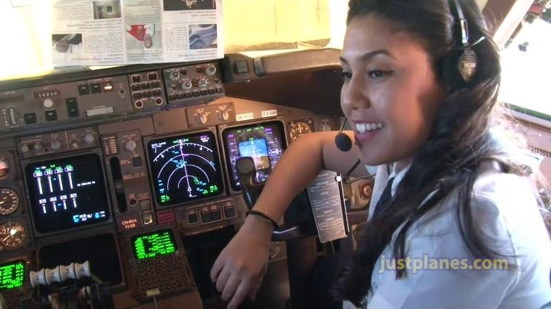 VEJAM SÓ, ESSA BELA MARROQUINA, SEGUNDO ELA ESTUDOU EM ESCOLA PÚBLICA E CHEGOU A SER PILOTO NA ROYAL AIR MAROC EM UM BOEING 747