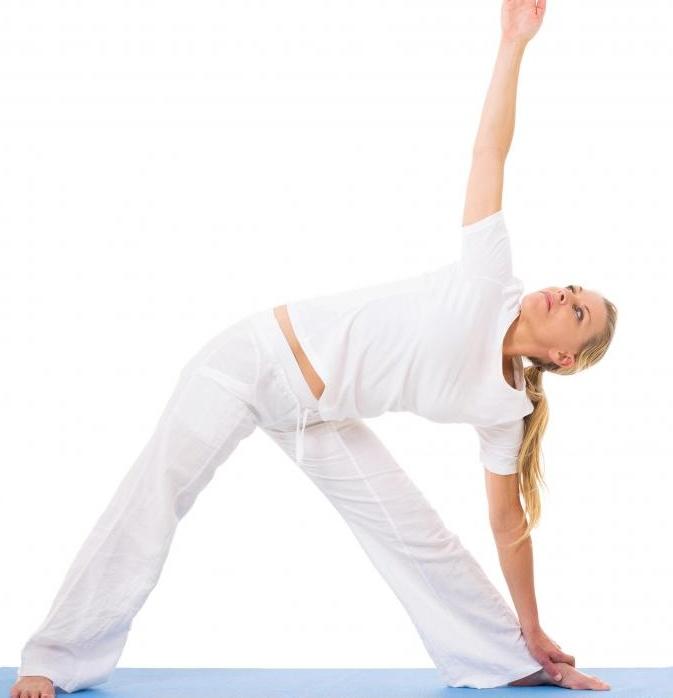 Позы йоги часто являются частью аюрведического лечения.
