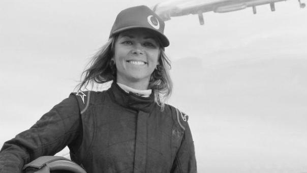Бывшая ведущая «Разрушителей легенд» Джесси Комбс погибла, когда пыталась побить собственный рекорд скорости на реактивном автомобиле Жила без страха и умерла без