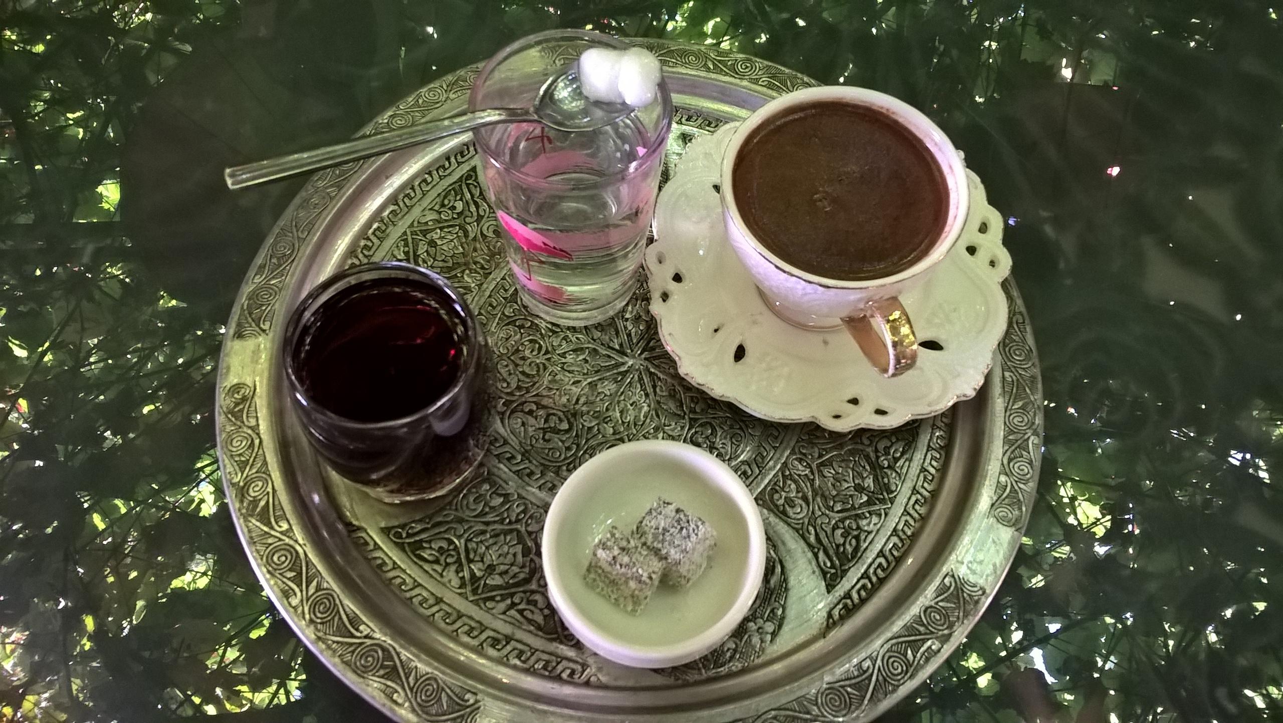 Джентельменский набор из кофе, компота, воды и десерта