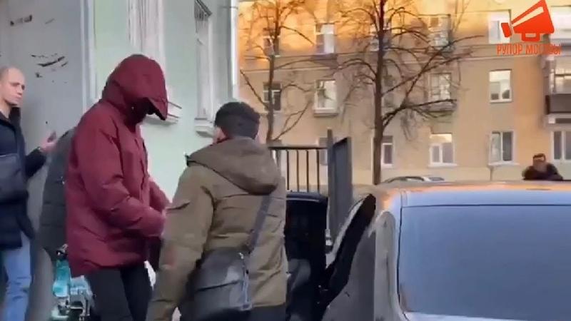 Суд оставил под домашним арестом подростка задержанного по подозрению в убийстве друга в Петербурге