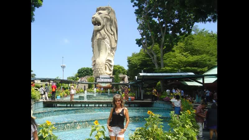 Сингапур Сентоза Мультфильм легенда про Мерлиона в Башне Мерлиона Merlion Tower