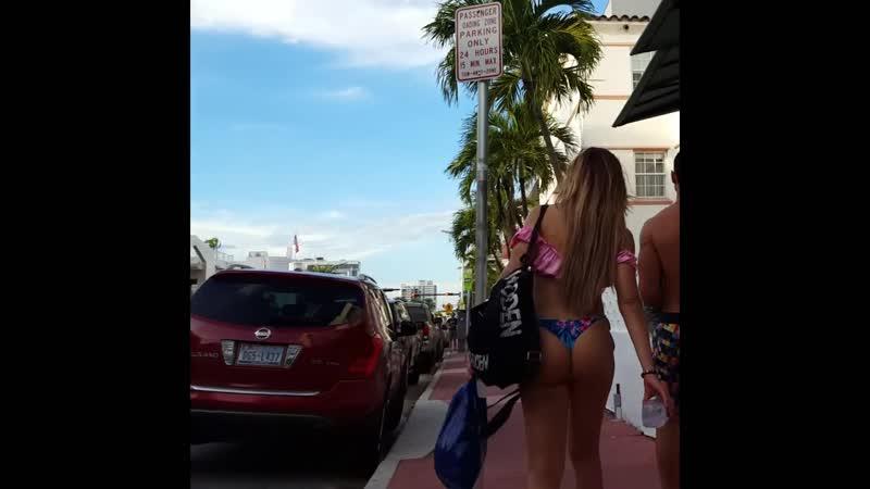 Gola guza na ulici