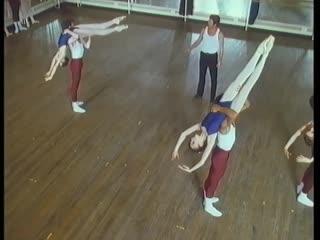 Pas de deux class в The Royal Ballet School