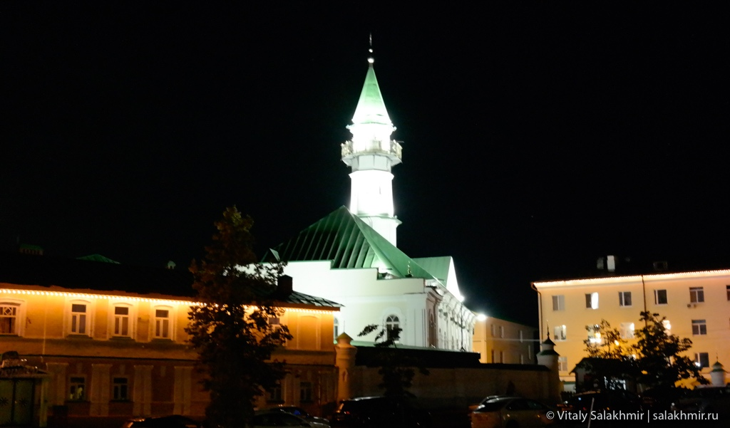 Татарская слобода ночью, Казань 2020