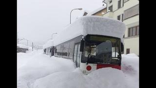 Погодный беспредел в Альпах: снегопады, лавины и наводнения