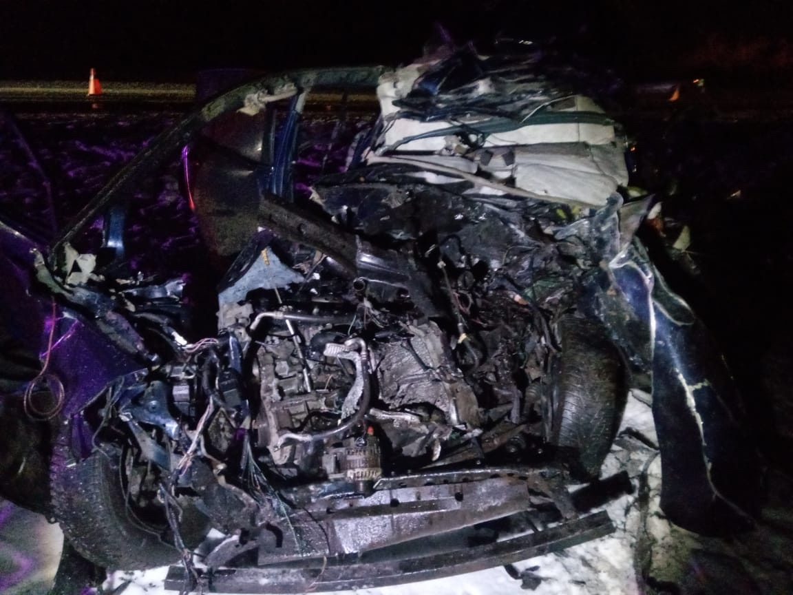 Под Курском в столкновении двух легковушек с фурой погиб водитель