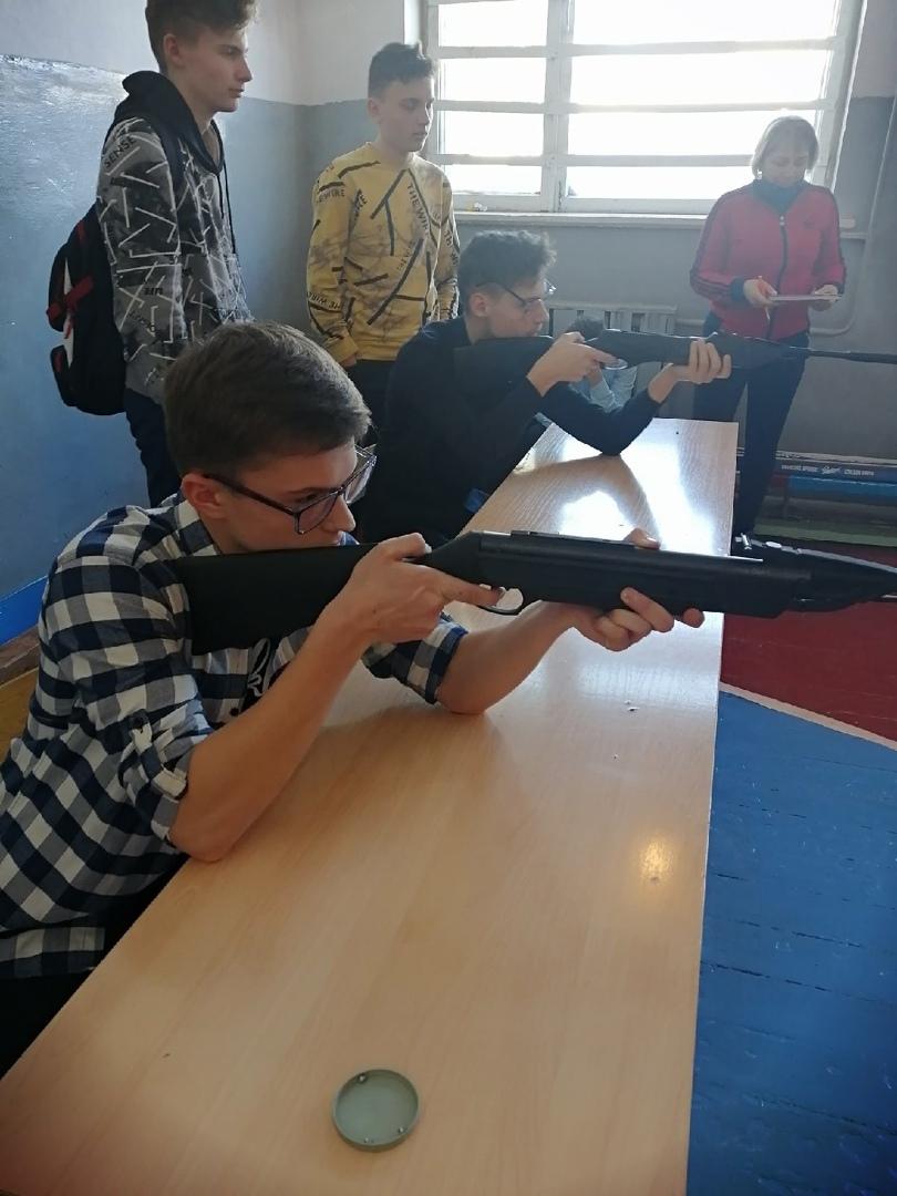 Ученики и педагоги школы №5 поучаствовали в соревнованиях по стрельбе