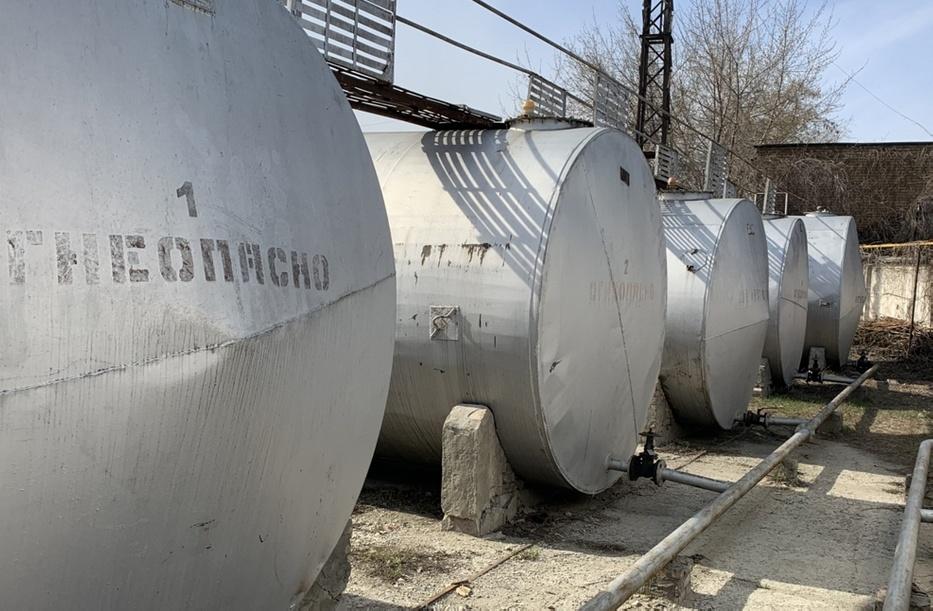 Кража бензина из стального резервуара может быть довольно затруднена.
