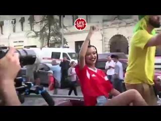 Томер Савойя на съемках клипа
