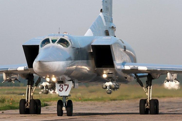 ТУ-22М3 — ДАЛЬНИЙ СВЕРХЗВУКОВОЙ РАКЕТОНОСЕЦ-БОМБАРДИРОВЩИК, изображение №3