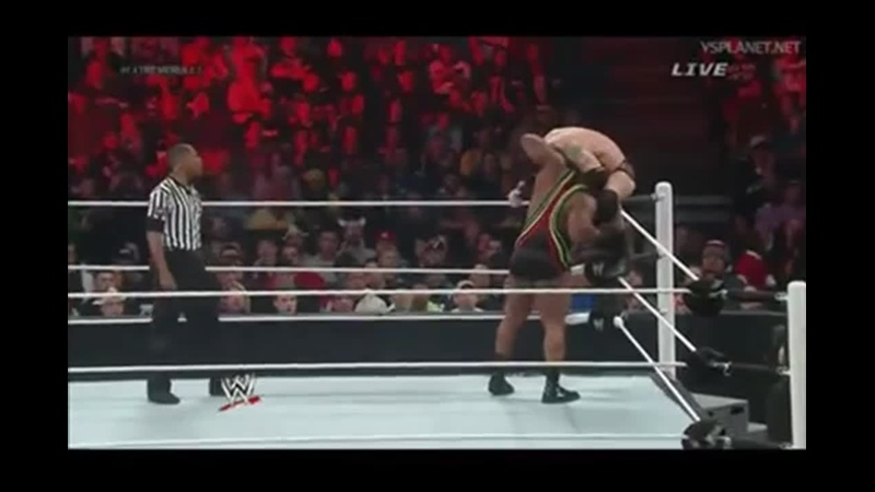 WWE Wade Barrett tornado snap suplex on Big E.Уэйд Баррет торнадо снап суплекс Биг И.11DeadFace