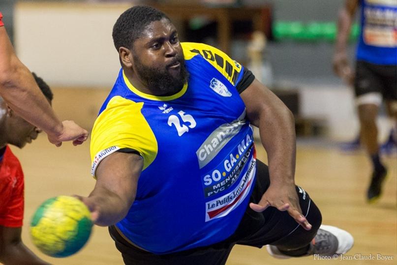 Главная звезда чемпионата мира — не Сагосен и не Хансен. Это гандбольный Шакил О'Нил из ДР Конго!, изображение №3