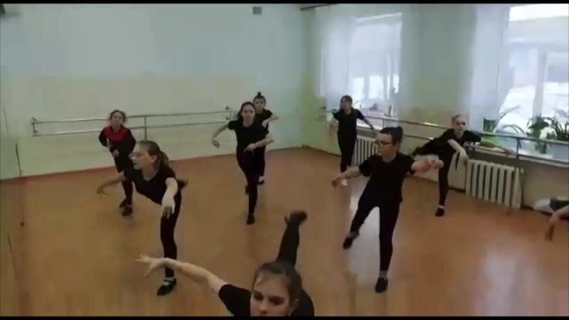 Творчество ко Дню Победы танец от ансамбля Kindheit