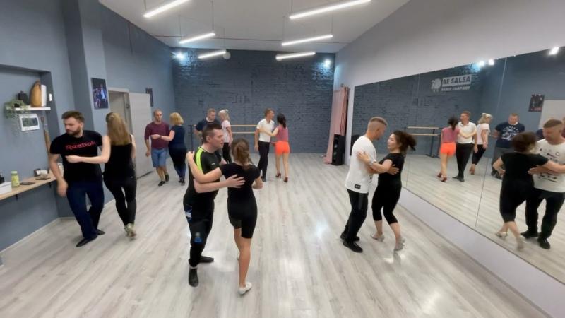 Видео от BE SALSA Школа танцев СПб сальса NY бачата