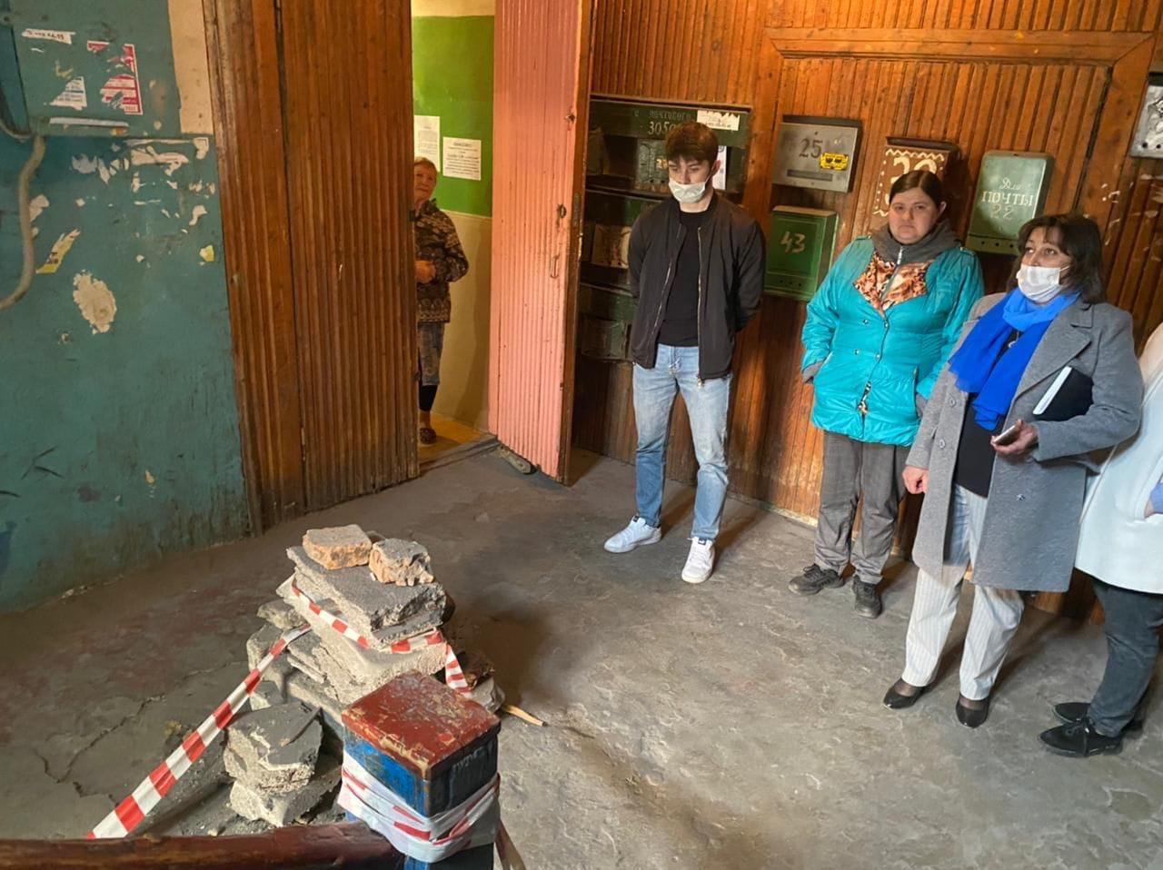 Разрушающийся дом №13 на улице Сумской в Курске обследуют специалисты «Стройконсалтинг плюс»