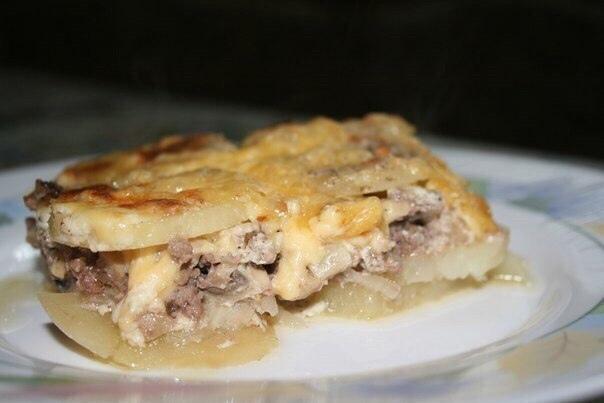 Запеканка из мяса с картошкой и сыром