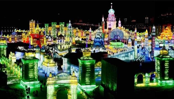 Харбинский фестиваль ледяных скульптур в Китае