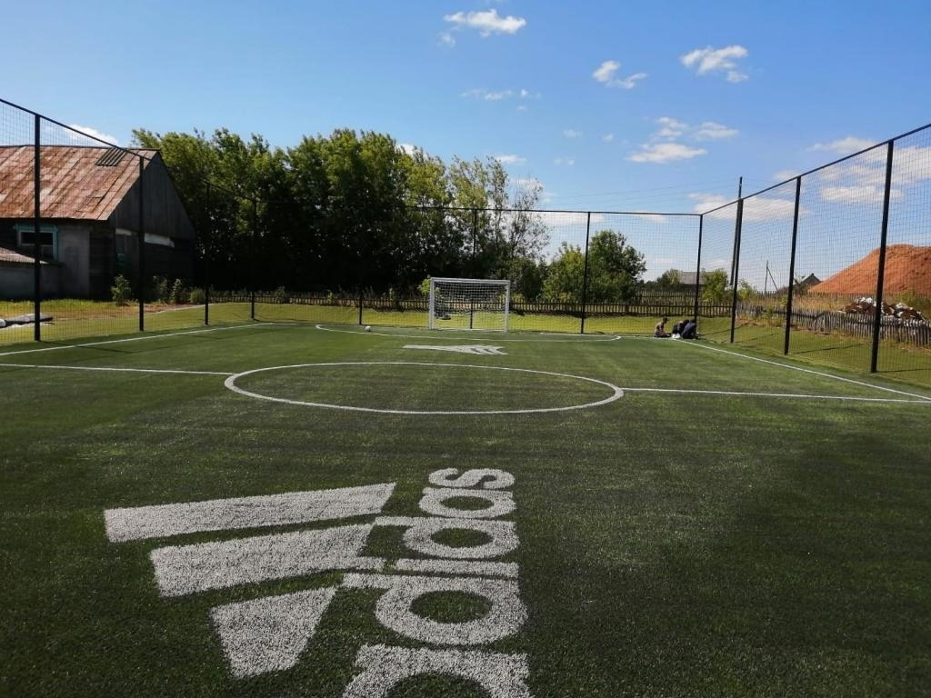 Усилиями Юрия Дудя в одной из школ Марий Эл появилась футбольная площадка