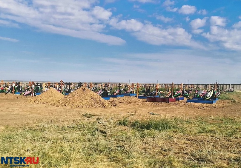 Маршрутки довезут новотройчан до кладбища в Радоницу