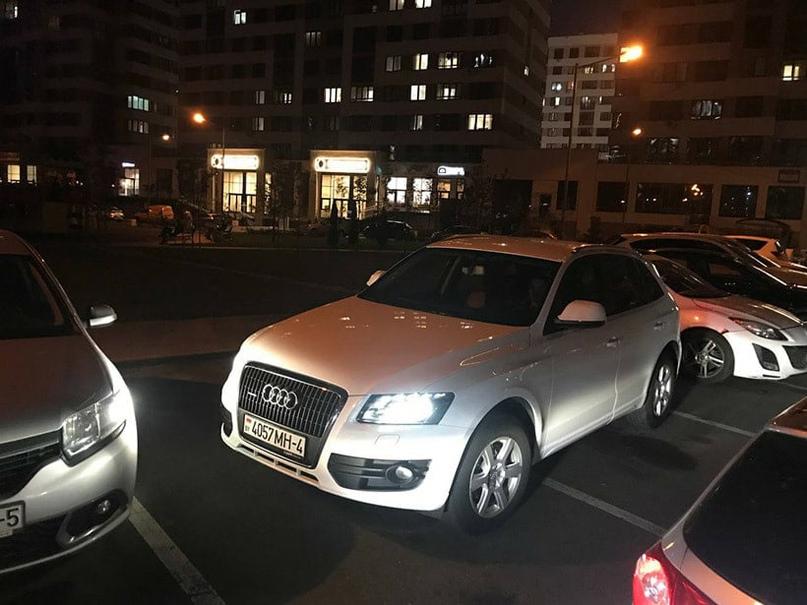 В новом «Маяке Минска» настолько не хватает парковочных мест, что их начали занимать заранее