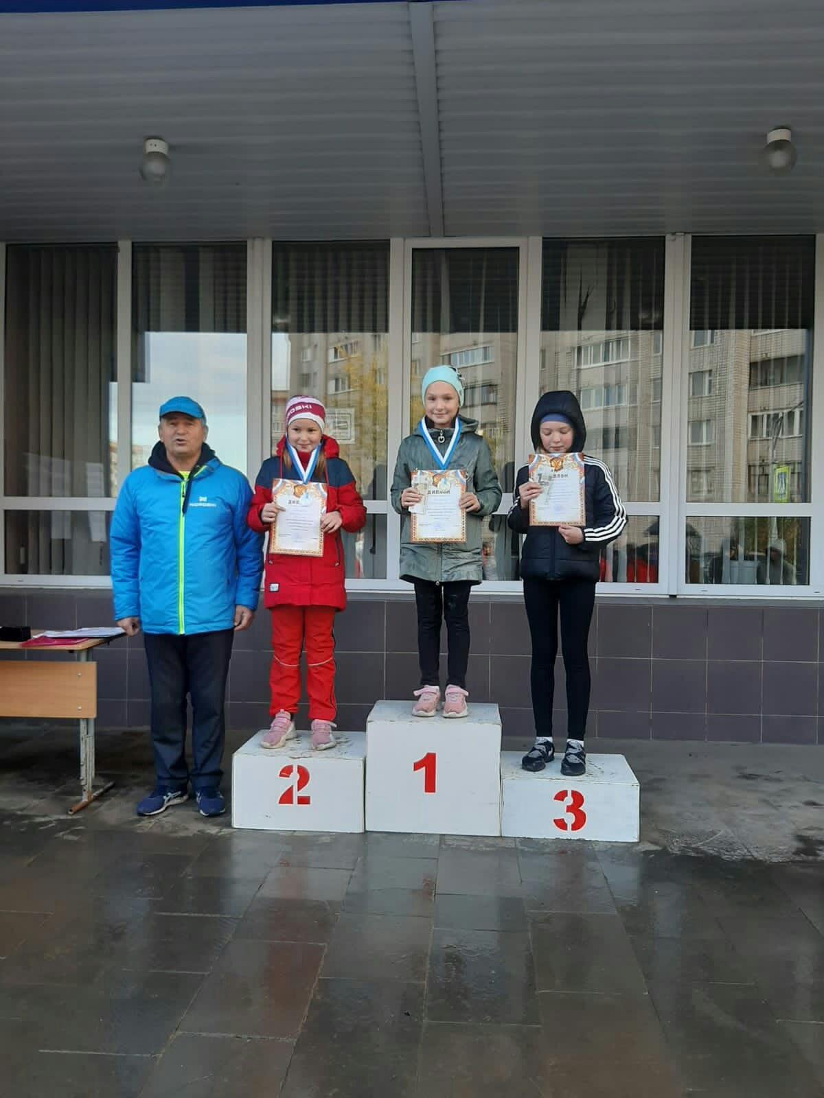 Четыре медали привезли можгинцы с Первенства Удмуртии по полиатлону.