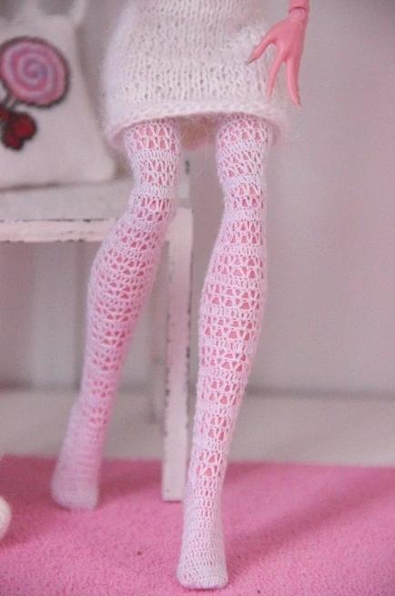 Как сделать колготки для куклы Барби своими руками, как сшить колготки на куклу своими руками, как сшить чулки на куклу своими рками, как сшить кукольные колготки из носка,