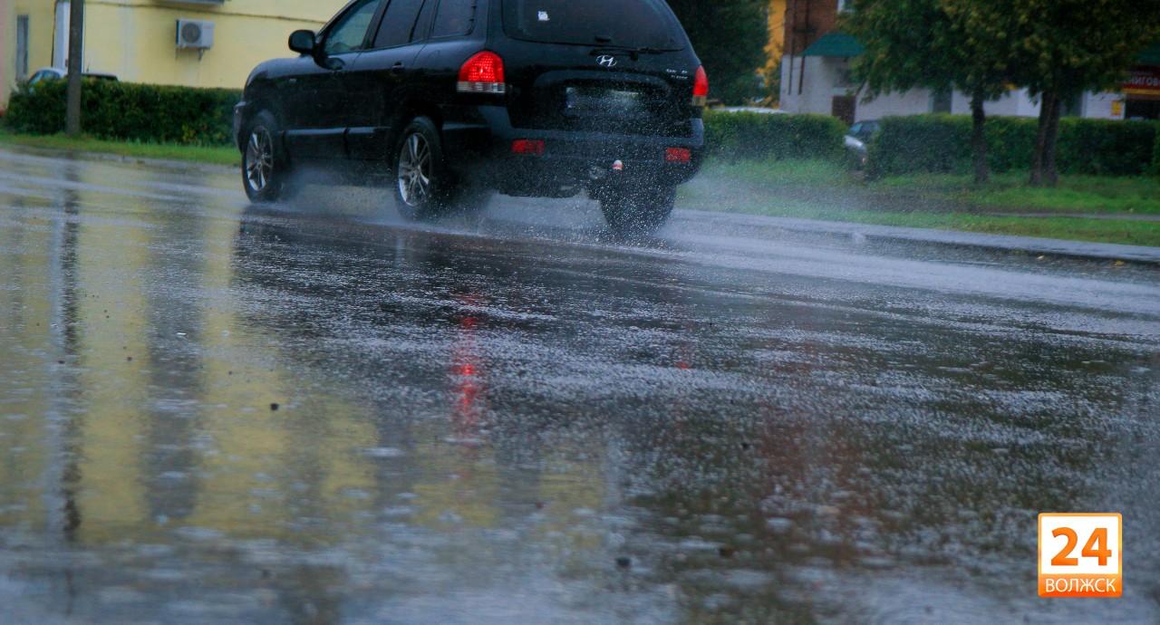 Из-за ухудшения погодных условий ГИБДД советует водителям быть предельно осторожными
