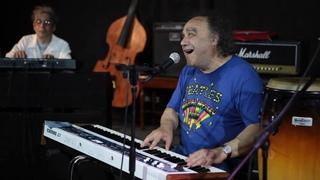 Сергей Манукян на джаз фестивале Live in Blue Bay 2019. Давайте опять поиграем на пять.