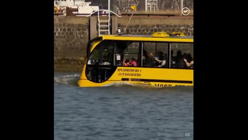 Автобус амфибия в Голландии