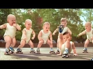 КАРАПУЗЫ ОТРЫВАЮТСЯ   Малыши танцуют под Gangnam Style PSY!