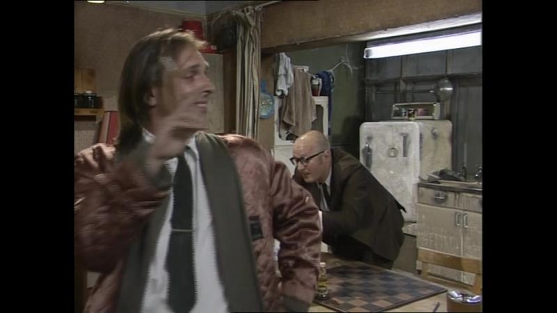 Сериал Дно Bottom 2 сезон 3 серия 1992 год